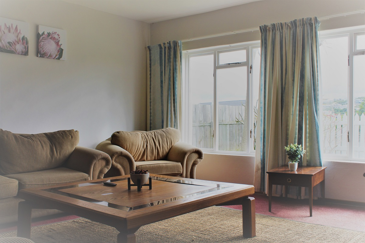 The comfortable living area at Headway House